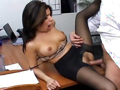 Youlma Cavallo cum fucks her boss in busty office