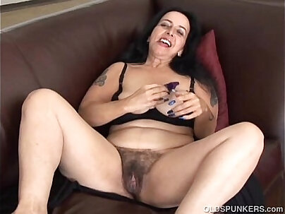 Bbw girl in passenger pussy fucked hard