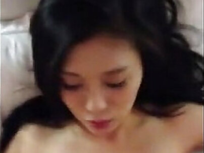 Beautiful Chinese girl having sex for the first time