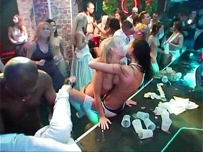 Giving Her Plump Girlfriend Gangbanged!