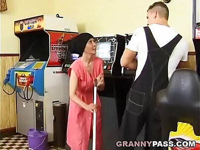 Curly granny Nagi rubbing herself on shiny a nice dark booties