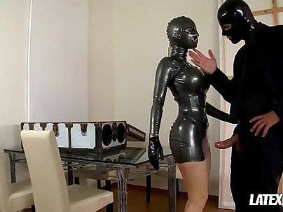 Latex idol Bonnie Night has her pussy fucked superbly off