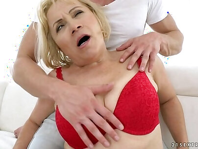 Granny Anal Fuck Dolly Blonde