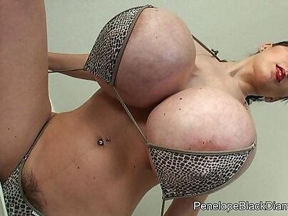 Penelope Black sexy Bikini Fisting