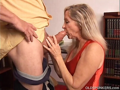 Beautiful mature blonde has a very sexy body and is a hot fuck