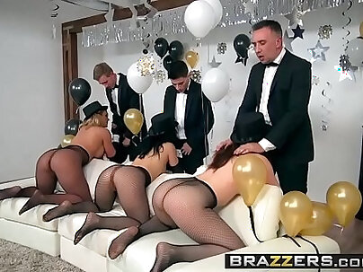 Creampie Escape From Piet [Show Party With Pornstars]