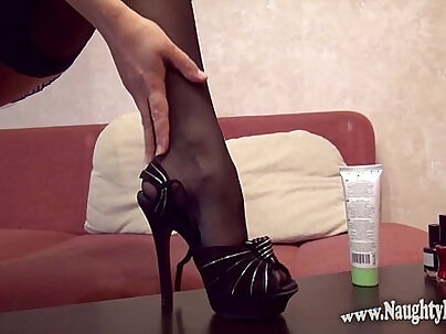 My feet... first time foot fetish video