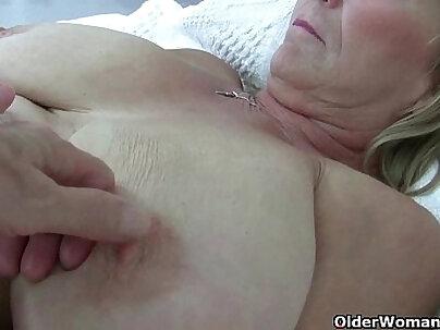 British milf with big boobs pose on webc
