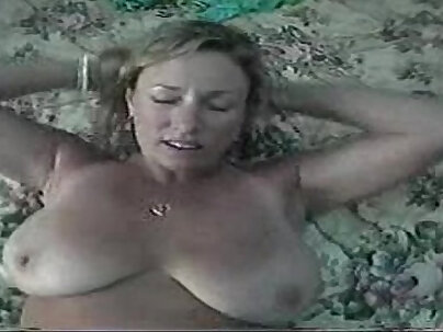 Homemade beauty Mom is a hot and sexy MILF, she was most