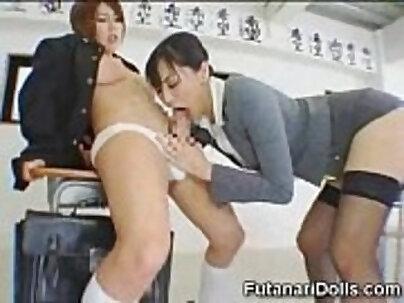 She Sucks Futanari Coed!