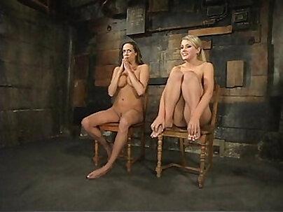 Anae Florii - Mamassa Pee and Bondage