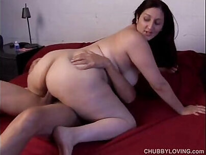 Beautiful big tits babe loves the taste of cum