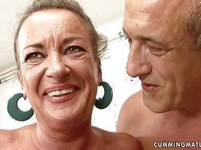Futures Slut Tongue Dildo Squirt