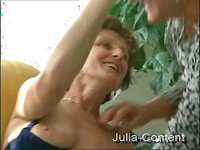 Most Granny Videos Swinger Group Feeding