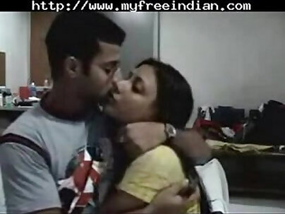 ARAB TEEN WITH HOT INDIAN CUM IN HER HAND