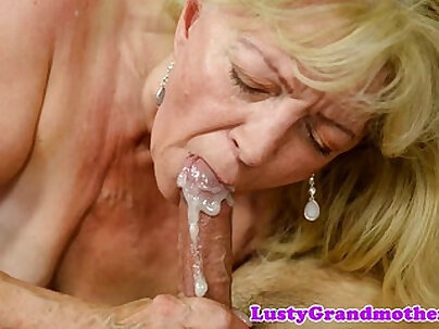Saggytit grandma fucked passionately
