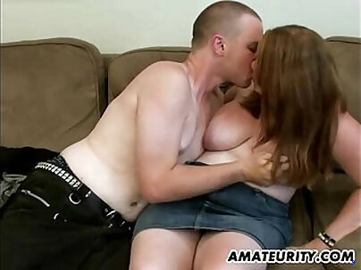 Chubby Amateur Girlfriend Sucking Dick At Home