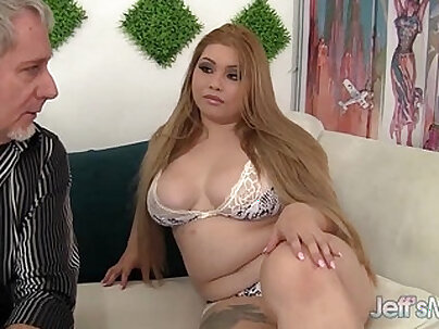 Sexy and horny Asian plumper Arianny Koda hardcore sex
