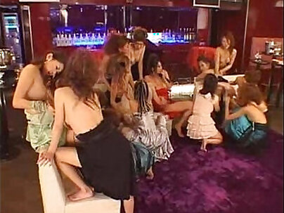 bbc henesey lil asian kimberly chi and bbw ms gigles gangbang freaknick