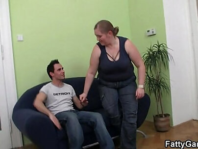 BBW Wants To Get Daddy At Wales Fuck