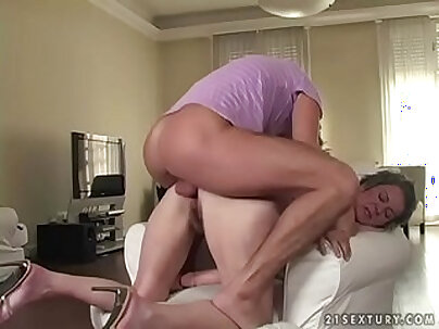 Big tit Hairy Granny fucked for money