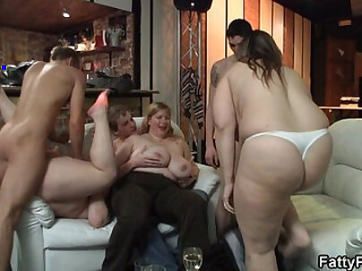 BBW Works Out Some Fun On The Bachelorette Party