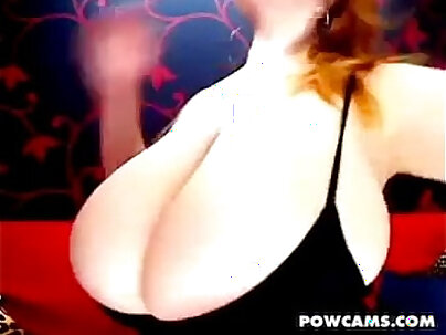 Caseyam_Amazing ginger redhead showing boobs and posing in the floor